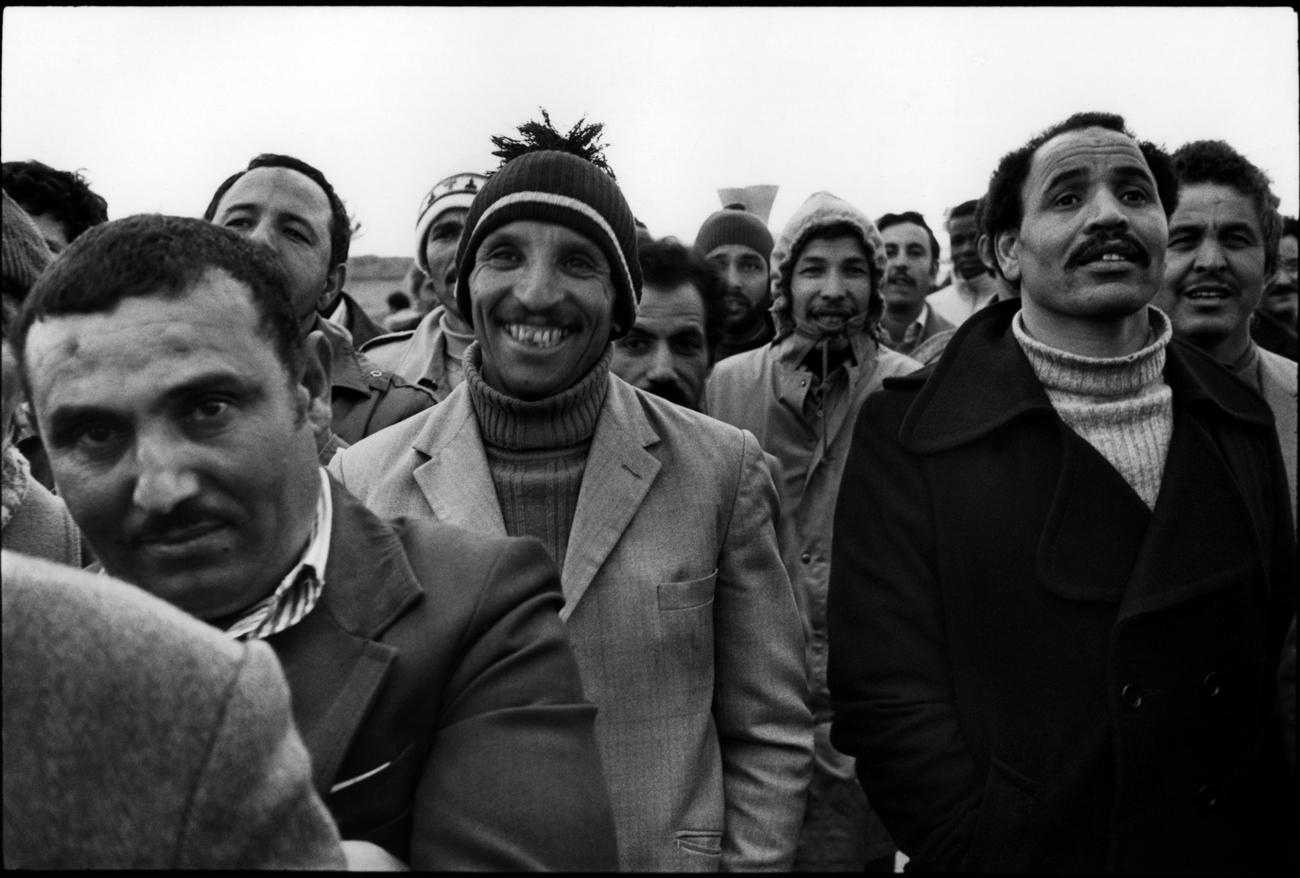 """Usine Citro'n d'Aulnay-sous-Bois, avril/mai 1982. L'usine se met en grve aprs que l'un des contrema""""tres ait dit ˆ l'un des ouvriers immigrŽs qu'il n'Žtait jamais qu'un esclave."""