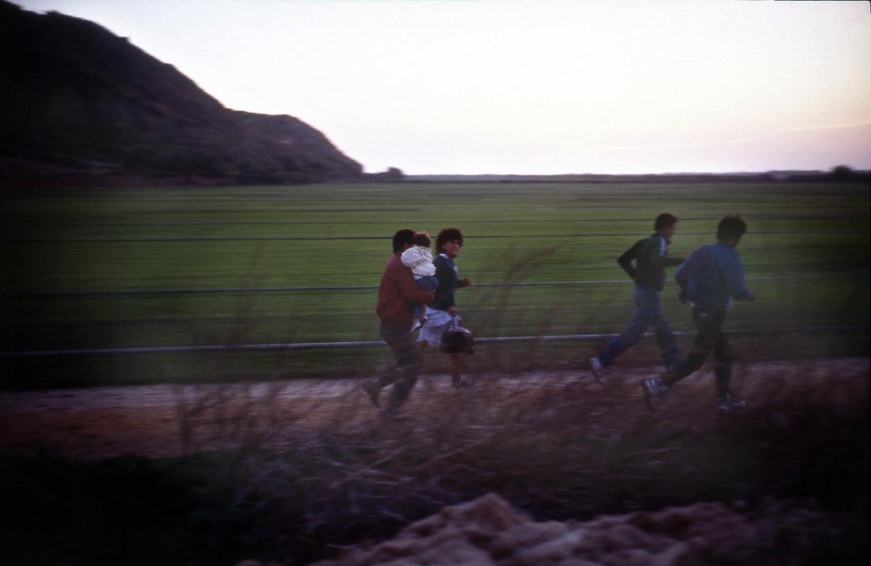 Imperial Beach. À la tombée de la nuit, la course des clandestins vers le nord.