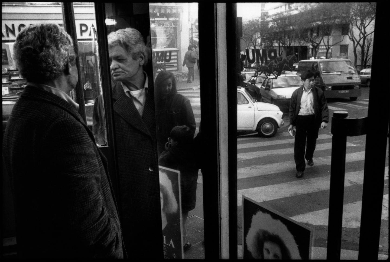 """Café """"le Relais"""", à  l'angle de la rue de Belleville et de la rue de Tourtille. 1993."""