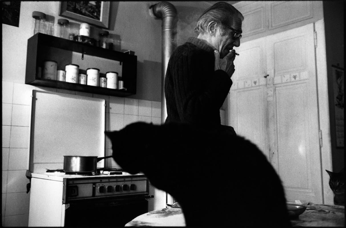 Pauvre France.Maurice, retraitŽé vivant au milieu de ses chats.  Chamonix, 1988.