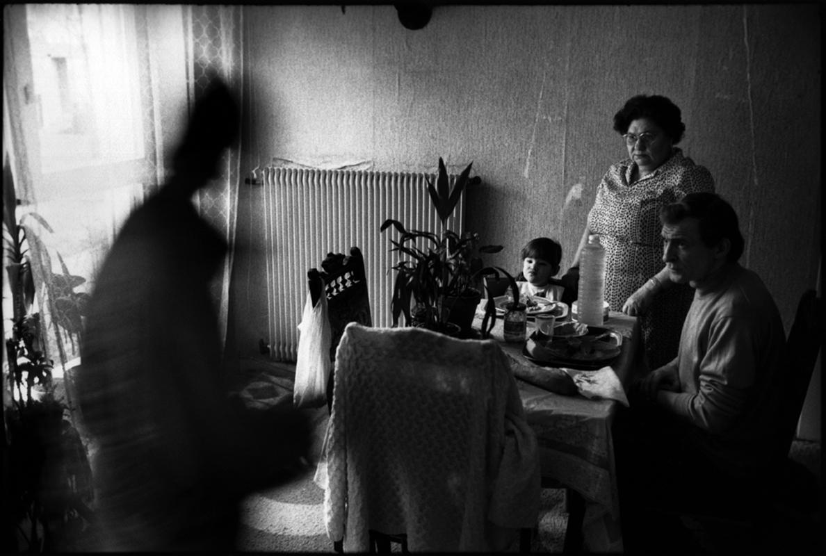 Pauvre France, Grigny La Grande Borne (Essonne). 1988.
