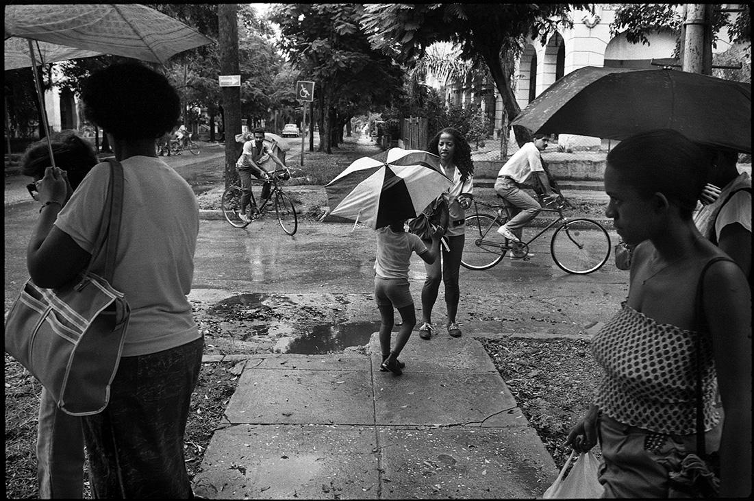 Toujours la pluie, vers la fin de chaque après midi, Calle 19, La Havane.